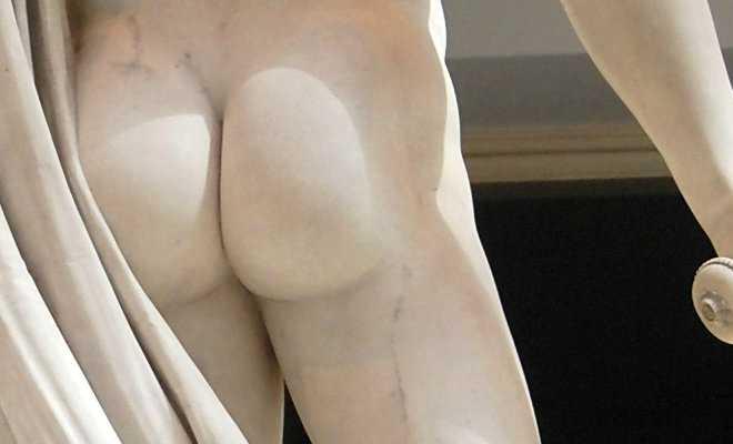 A rear photo of Perseus by Antonio Canova.