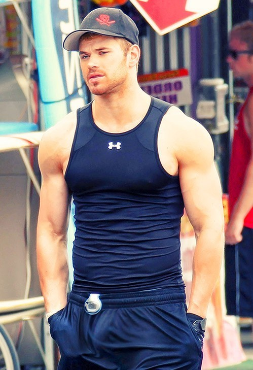 This is a photo of Kellan Lutz walking on the streets
