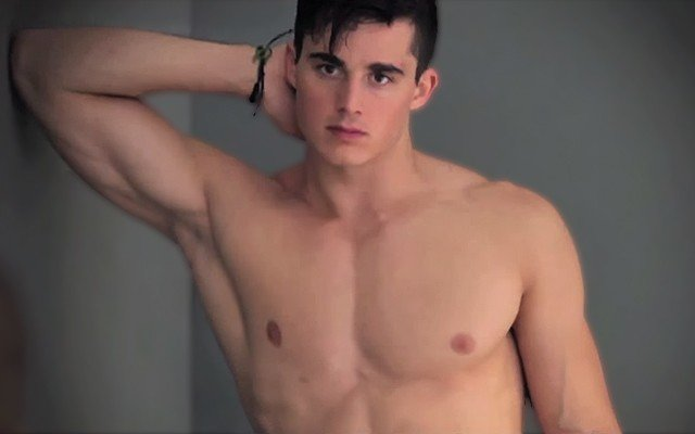 Pietro Boselli the World's Sexiest Math Teacher explains engineering in his underwear.
