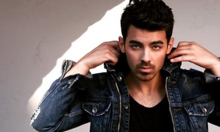 Joe Jonas Serves the Sexiest 'O-Face' on Instagram