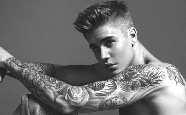 Justin Bieber grabs nuts on Instagram