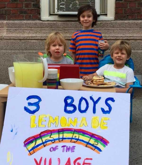 boys-sell-lemonade-orlando-victims-2