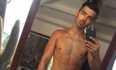 Joe Jonas shirtless selfie