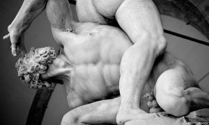 Greek sculpture of two men wrestling