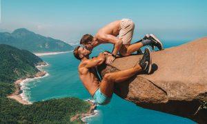 Gay Kiss at Pedra do Telégrafo