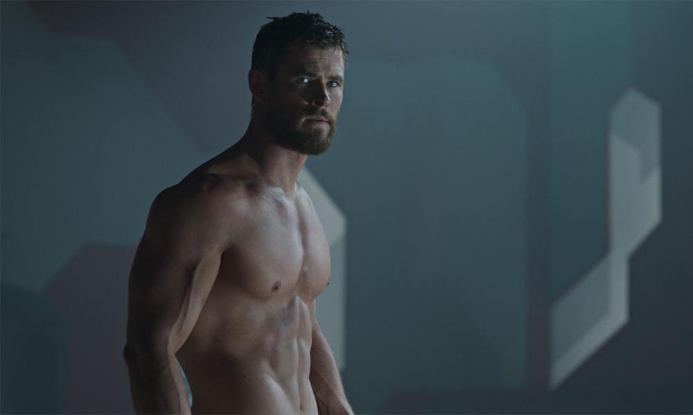 Thor shirtless in 'Thor: Ragnarok'
