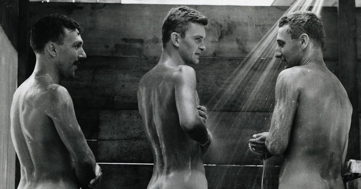 15 Photos of Young World War II Allied Soldiers Laid Bare