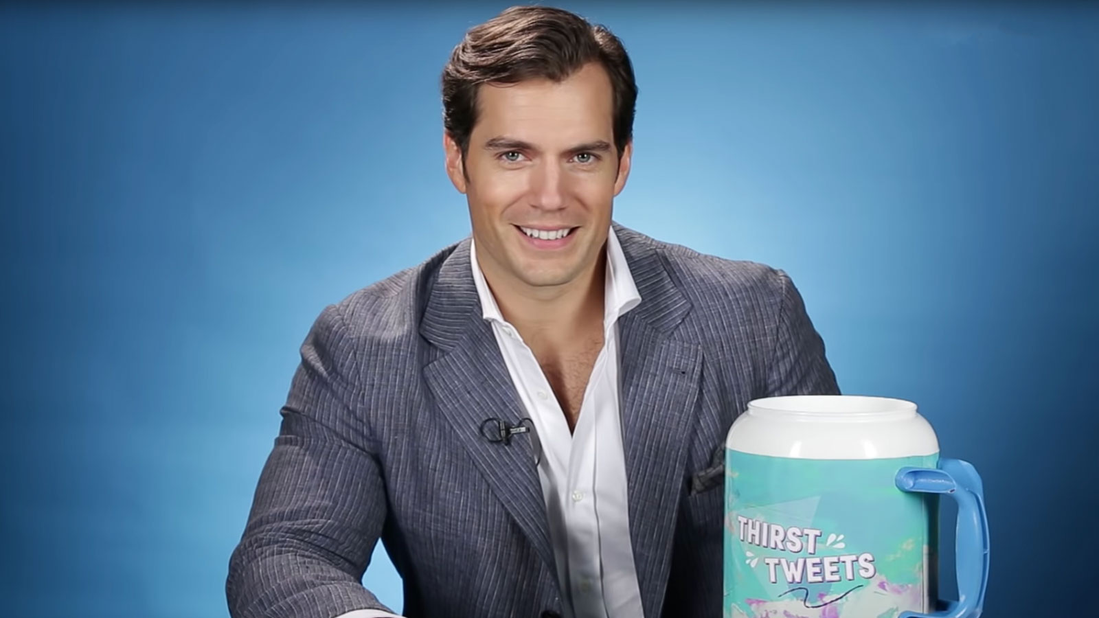 Watch Henry Cavill Read Thirsty Tweets From Fans