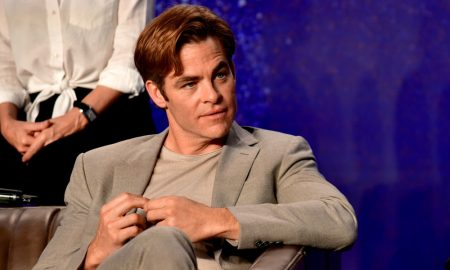 Chris Pine attends the 'Outlaw King' press conference