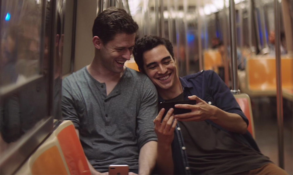 Gay couple in Apple ad