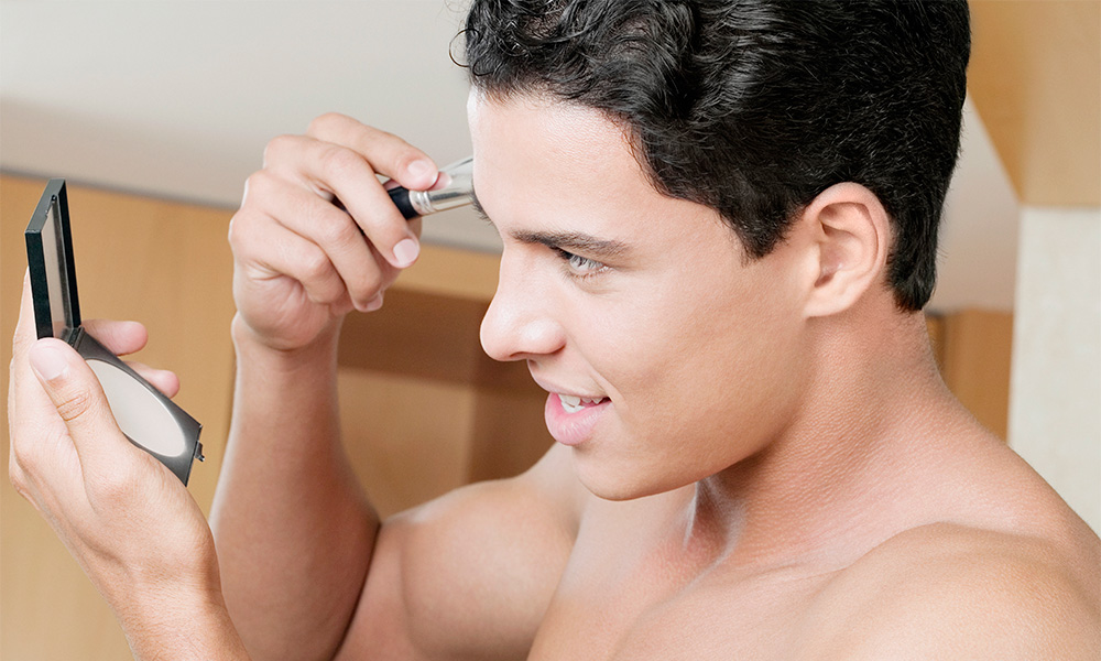 5 Reasons Why Men Should Wear Makeup - Gayety-5691